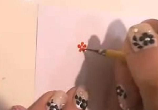 美甲基础彩绘教程